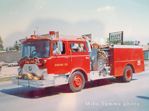 Mack CF fire engine from Oak Lawn IL
