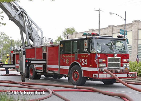 Chicago FD Tower Ladder 34