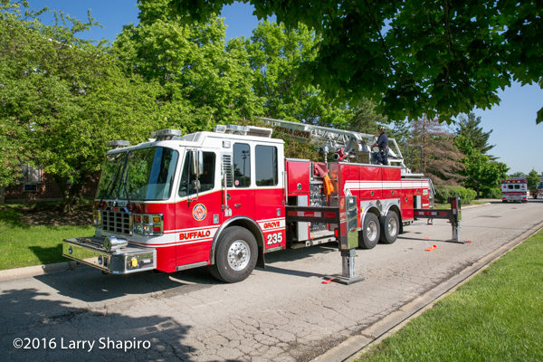 Buffalo Grove FD Tower Ladder 25