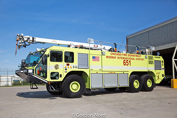 Oshkosh ARFF Striker at Midway airport