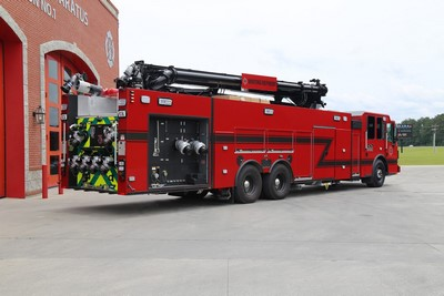 BP Whiting, IN - new Ferrara industrial pumper with Schwing boom