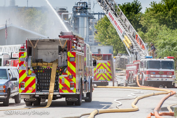 engine dropping supply line at fire