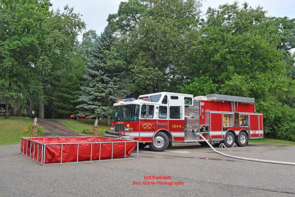Spring Grover FD pumper/tanker at fire scene