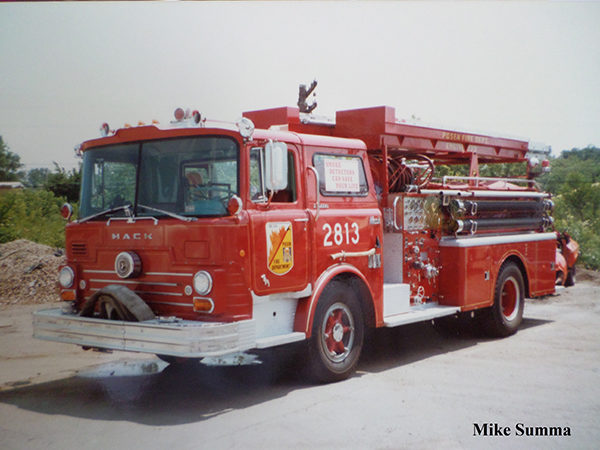 1960 Mack CF fire engine