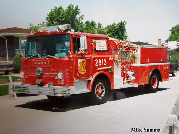 1960 Mack CF fire engine