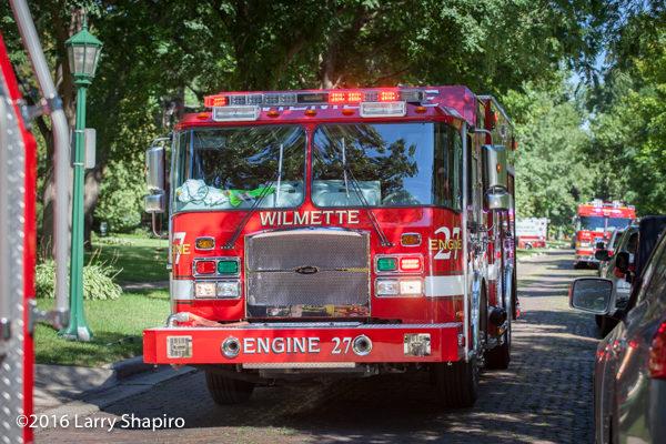 E-ONE Cyclone II e-Max fire engine at Willamette fire scene