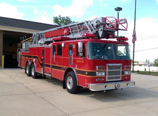 Pierce ladder truck for sale