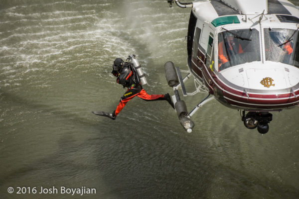 fire department diver deploying from the Chicago FD helicopter