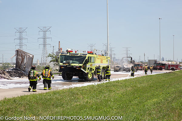 ARFF unit on expressway at truck fire
