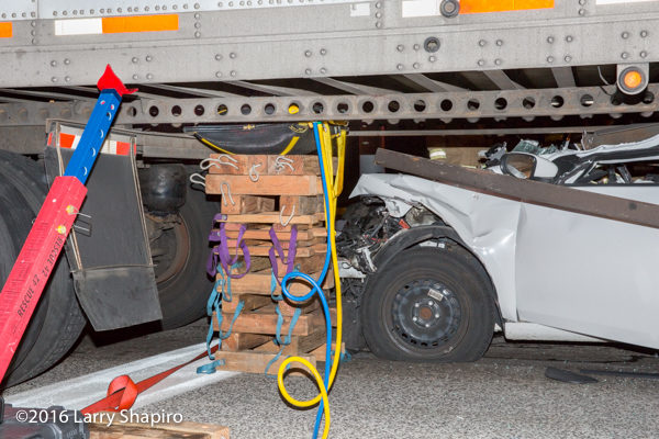 cribbing and air bags lift semi-trailer