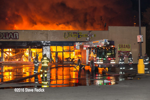Dollar Store fire in Chicago