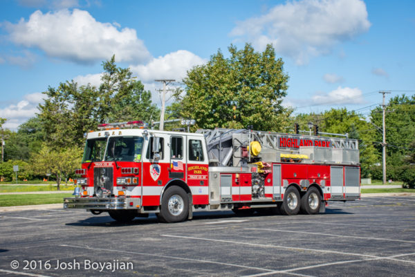 Highland Park FD Truck 33