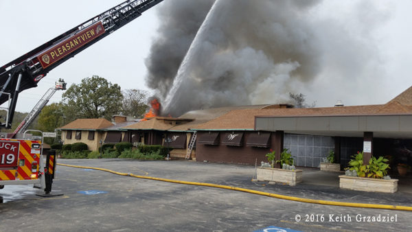 3-Alarm restaurant fire in Willow Springs