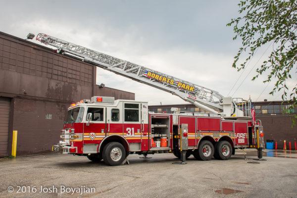 Roberts Park FPD Ladder 31