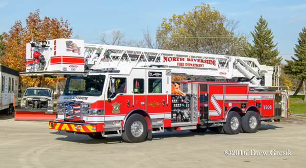 North Riverside FD Tower Ladder 806