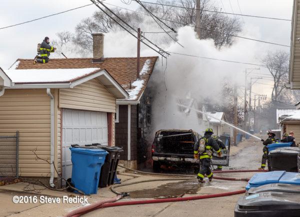 rear coachhouse burns in Chicago