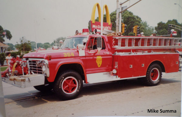 historic fire engine photo from Alsip IL