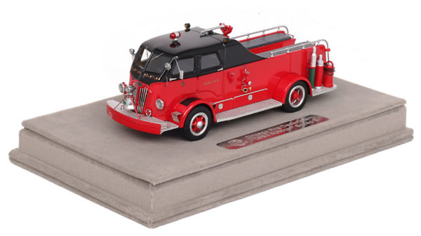 CFD 1954 Autocar Squad replica model from Fire Replicas