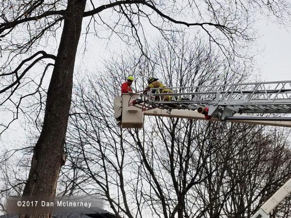 worker rescued from Hi-Ranger bucket truck