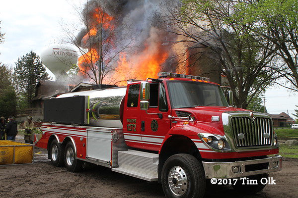 McHenry Township FPD tender at barn fire