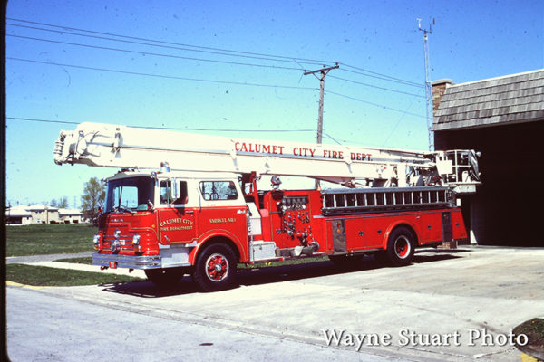 The Calumet City Fire Department operated this 1969 Mack / Pierce Snorkel, it ran as Truck 307 replacing the 1937 ALF quad. It was in service until well into the the 90's. It had a 75' Snorkel with a 1000 GPM pump
