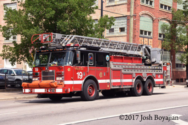 Chicago FD Truck 19