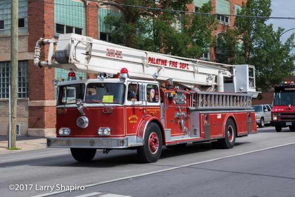 vintage 1969 Seagrave 85' Snorkel on display