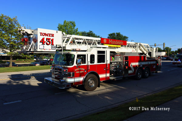Mundelein FD tower ladder