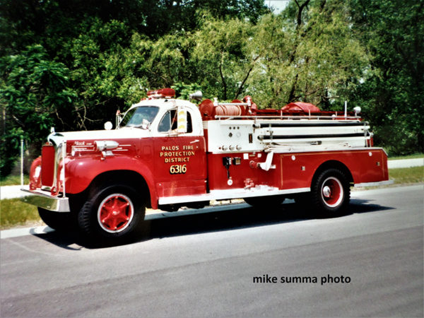 1955 Mack B85/Bean fire engine