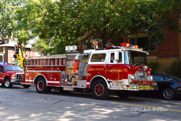 Mack CF fire engine