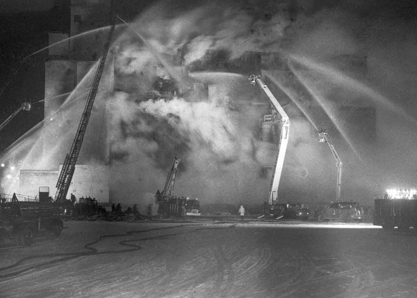 historic massive fire in Chicago in 1965