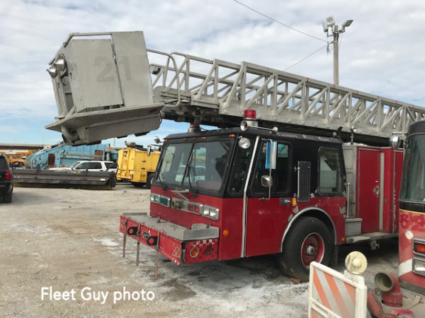 FDE-250 1985 E-One Old Tower Ladder 21