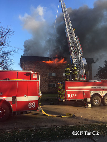 apartment building fire in Bensenville