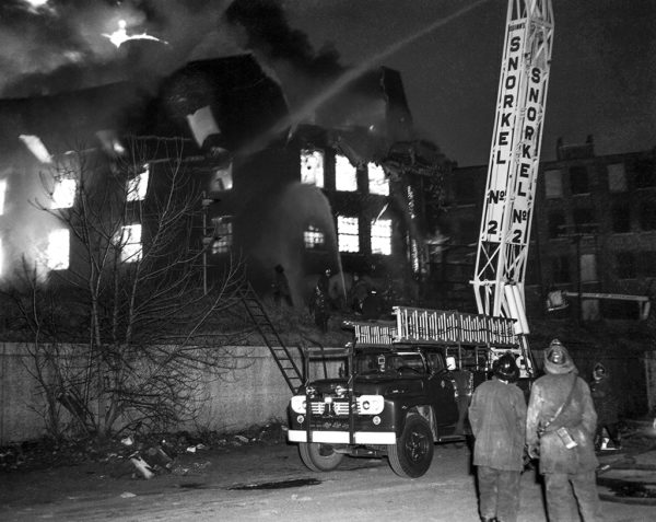 massive fire in Chicago in 1966 with Snorkel working
