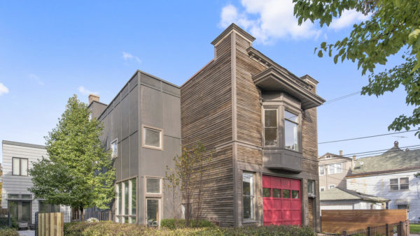 Rehabbed former Chicago fire house for sale