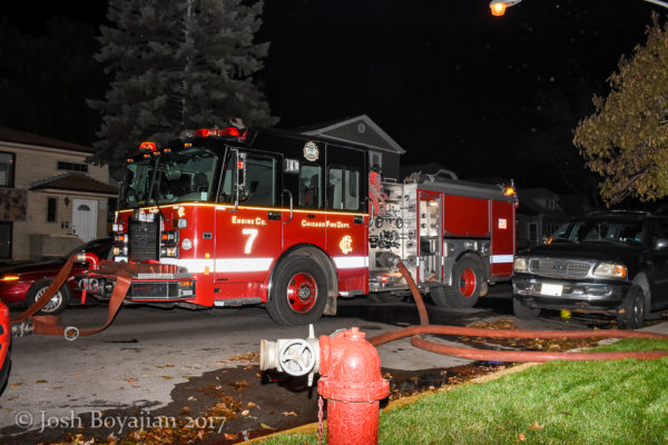 Chicago FD Engine 7 at night fire scene