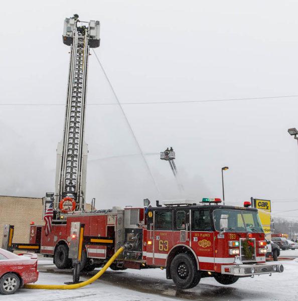 Des Plaines FD Tower ladder 63