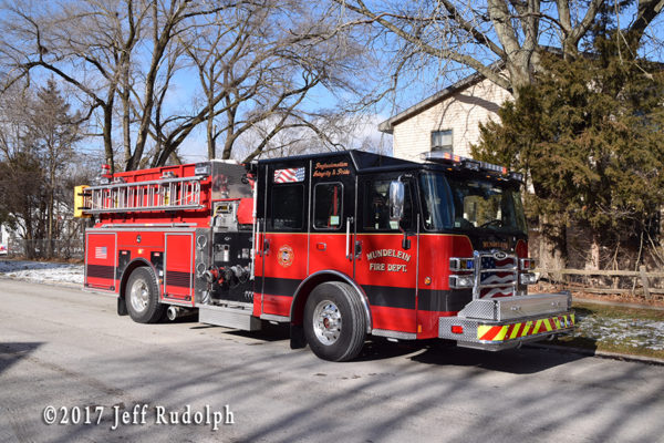 Mundelein fire engine