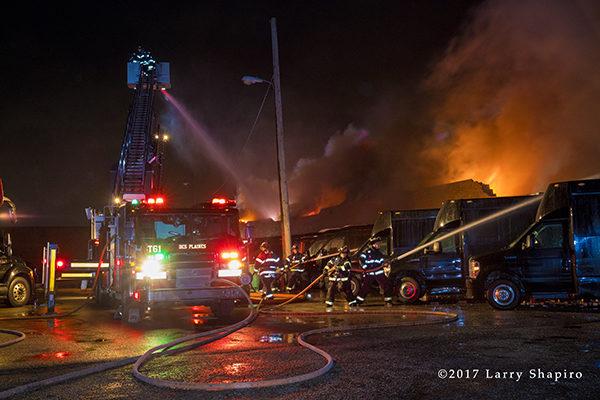 Des Plaines Tower Ladder 61 Pierce tower ladder battles a fire