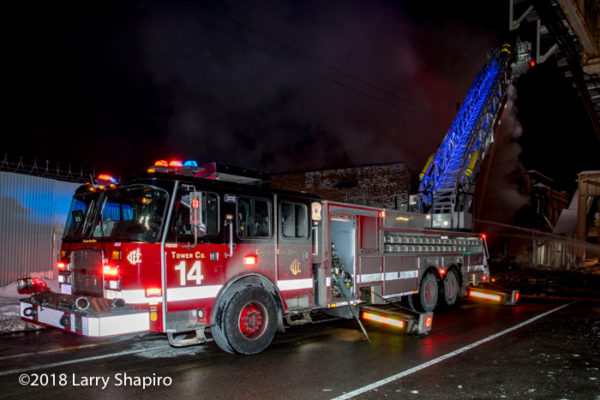 Chicago FD Tower Ladder 14 E-ONE CCyclone II HP100