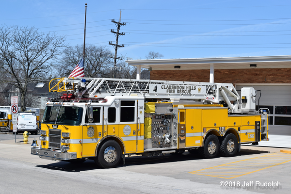 Clarendon Hills FD Ladder 86