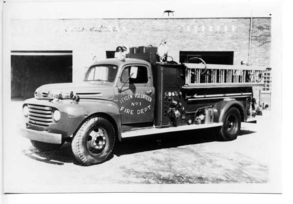 1949 Ford Darley fire engine