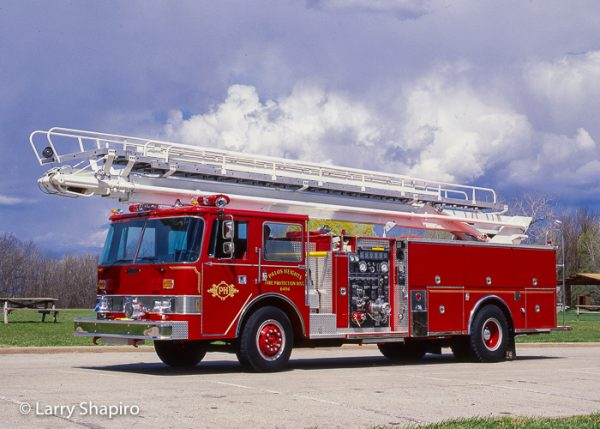 Palos Heights FPD Pierce Arrow Tele-Squrt 75