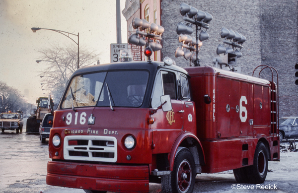 Chicago FD Light Wagon 916