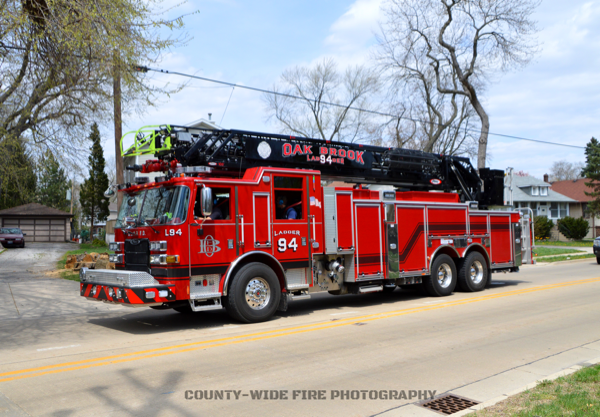 Oak Brook FD Ladder 94