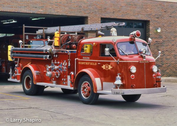 American LaFrance 800 Series fire engine