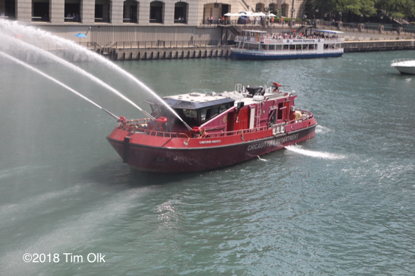 Chicago FD Engine 2 Fire Boat