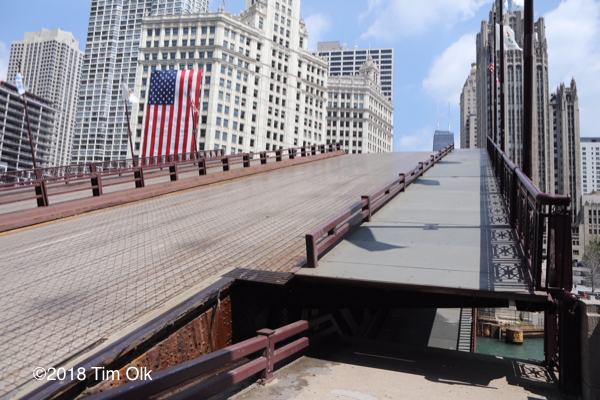 Michigan Avenue bridge in Chicago