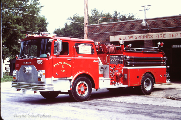 Willow Springs FD Mack CF fire engine