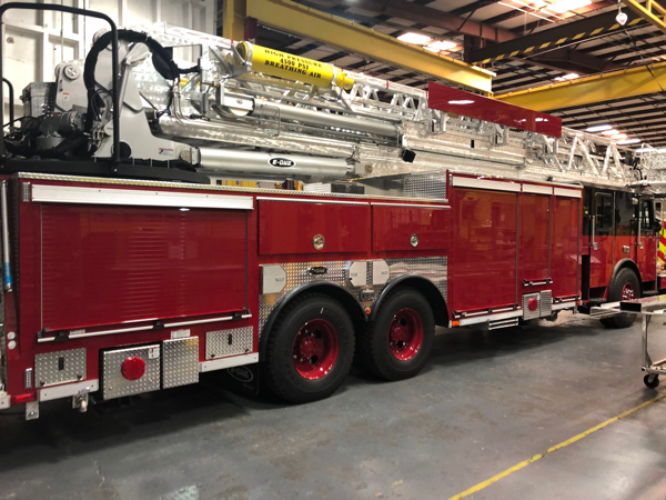 Chicago E-ONE Cyclone II HP95 tower ladder so 142015 being built